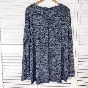Lou & Grey Tops - Lou & Grey space dye long sleeve tunic tee